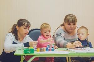 Волонтеры помогают детям, помощь детям с синдромом дауна,помощь детям инвалидам, благотворительная помощь детям, оказать помощь детям